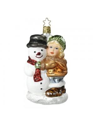 Pige og snemand.
