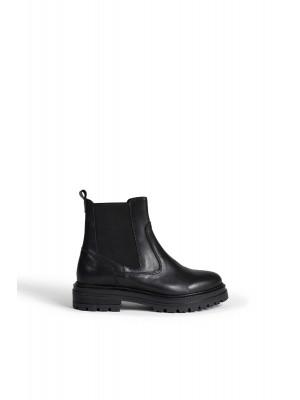 Franki Leather boos