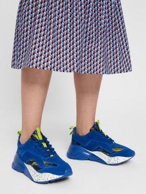 Becky rusinds sneakers